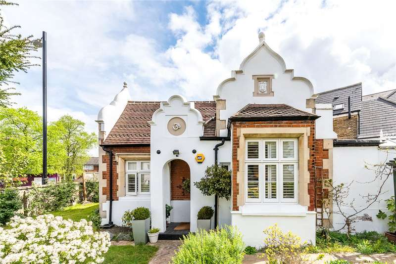 2 Bedrooms Detached House for sale in Beulah Hill, London, SE19