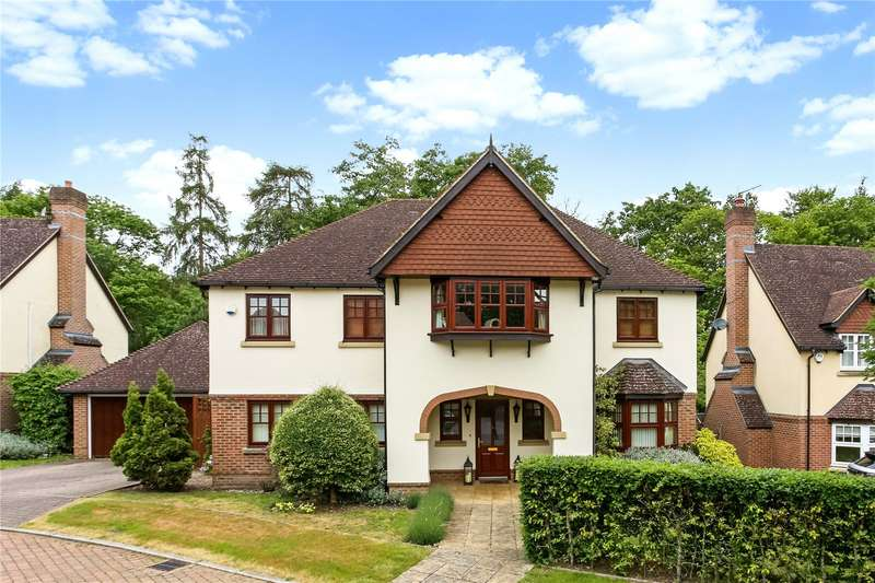 5 Bedrooms Detached House for sale in Hawley Grove, Blackwater, Camberley, GU17