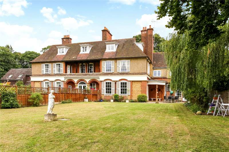 6 Bedrooms House for sale in Hurlands, Puttenham Heath Road, Puttenham, Guildford, GU3