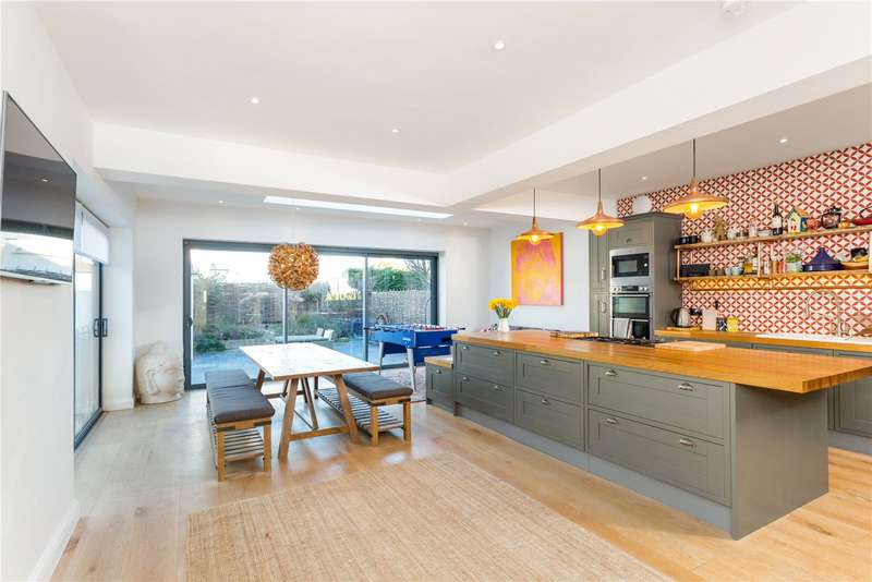 6 Bedrooms Detached House for sale in Kingsway, Hove, East Sussex, BN3