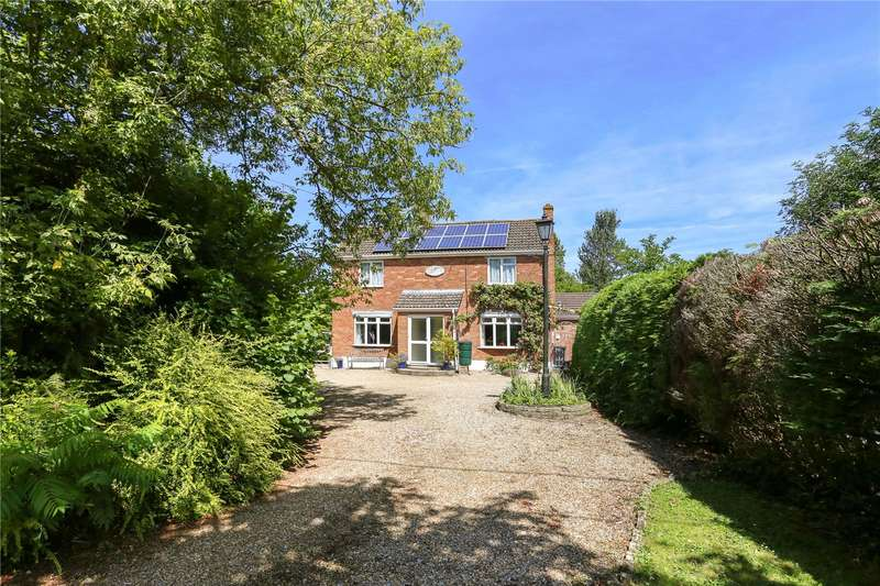 3 Bedrooms Detached House for sale in The Green, Etchilhampton, Devizes, Wiltshire, SN10