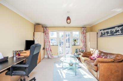 2 Bedrooms Flat for sale in Stratford, London, England