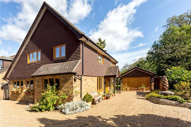 4 Bedrooms Detached House for sale in Love Lane, Kings Langley, Hertfordshire, WD4