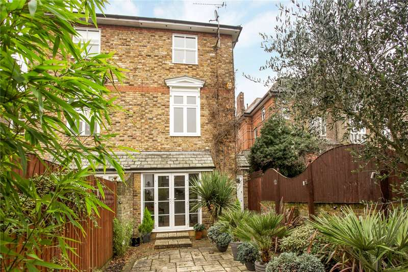 4 Bedrooms Semi Detached House for sale in Osborne Mews, Windsor, Berkshire, SL4