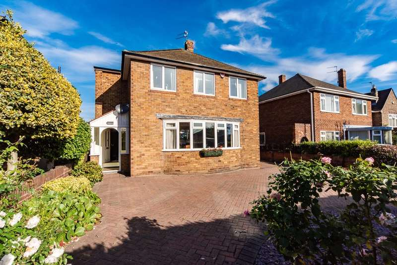 4 Bedrooms Detached House for sale in Thorne Road, Doncaster, South Yorkshire, DN2
