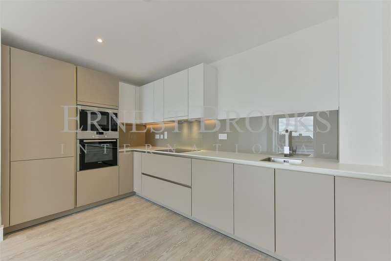 2 Bedrooms Apartment Flat for sale in Kempton House, 122 High Street, Staines-Upon-Thames, Surrey, TW18