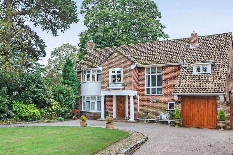 4 Bedrooms Detached House for sale in Dean Park