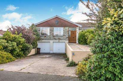 4 Bedrooms Bungalow for sale in West Looe, Cornwall