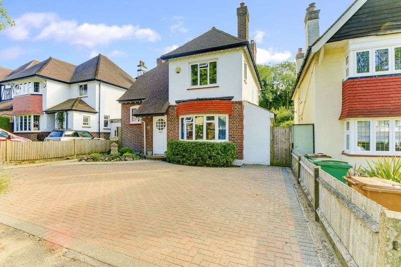 3 Bedrooms Detached House for sale in Furzedown Road