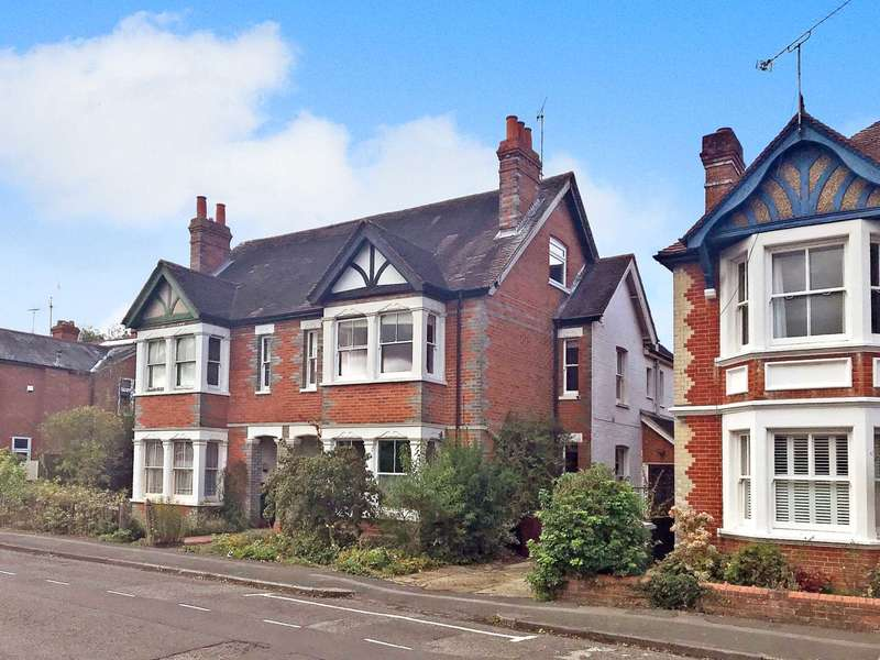 5 Bedrooms Semi Detached House for sale in Belle Ave, Reading