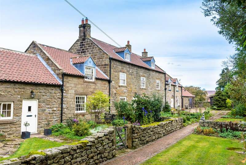 9 Bedrooms Detached House for sale in Prudom House, Goathland, Whitby, North Yorkshire, YO22 5AN