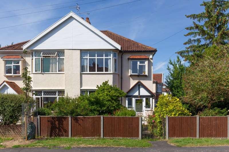 3 Bedrooms Property for sale in Bibury Crescent, Henleaze, Bristol BS9
