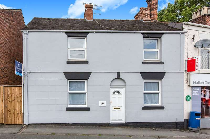 3 Bedrooms Semi Detached House for sale in Canal Road, Congleton, Cheshire, CW12