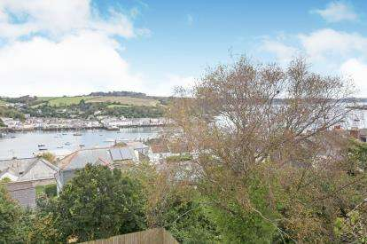 3 Bedrooms Semi Detached House for sale in Meadowbank Road, Falmouth, Cornwall