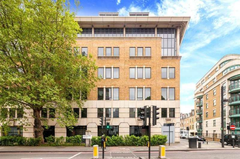 3 Bedrooms Flat for sale in Varsity Court, Homer Street, W1