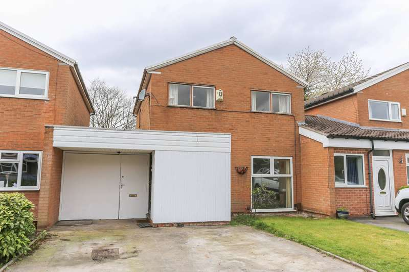 3 Bedrooms Semi Detached House for sale in Winchester Drive, Heaton Norris, Stockport, SK4
