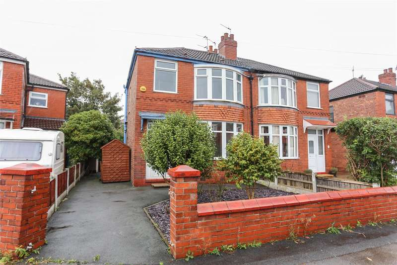 3 Bedrooms Semi Detached House for sale in Bower Avenue, Heaton Norris, Stockport, SK4