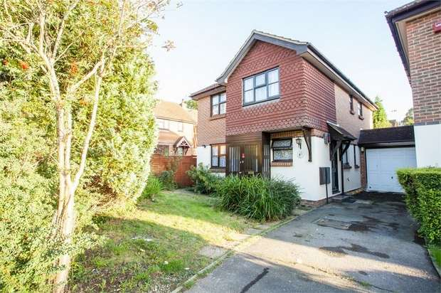 5 Bedrooms Detached House for sale in Downscroft, Burgess Hill, East Sussex