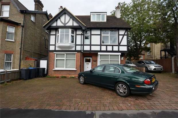 4 Bedrooms Detached House for sale in Friends Road, Croydon, Surrey