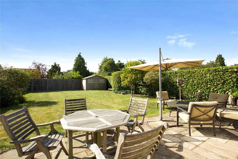 4 Bedrooms Detached House for sale in Woodham Lane, Woodham, Addlestone, Surrey, KT15
