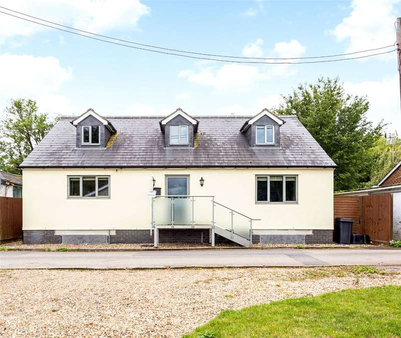 4 Bedrooms Detached House for sale in Ham Island, Old Windsor, Berkshire, SL4