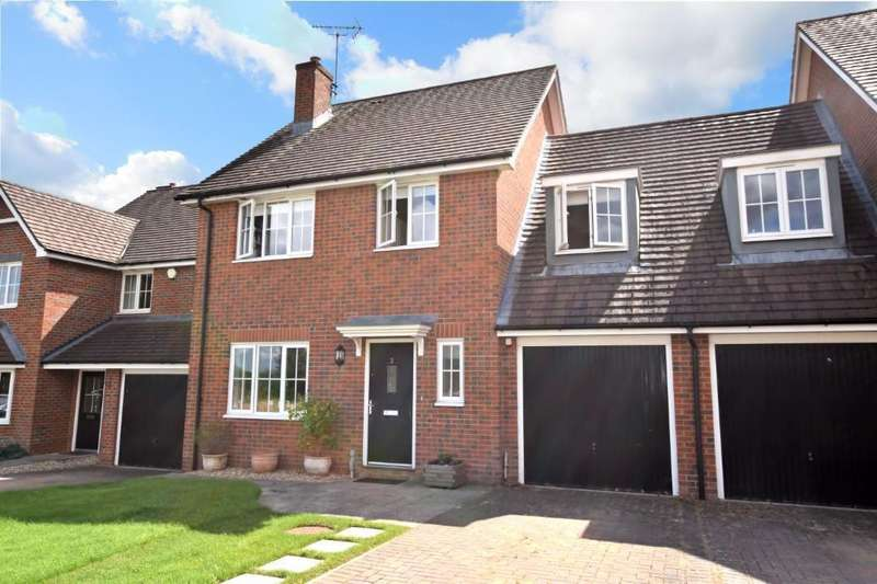 4 Bedrooms Link Detached House for sale in Saxon Gate, Burghfield, Reading, RG30