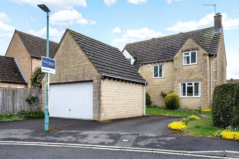 4 Bedrooms Detached House for sale in Roberts Close, Cirencester