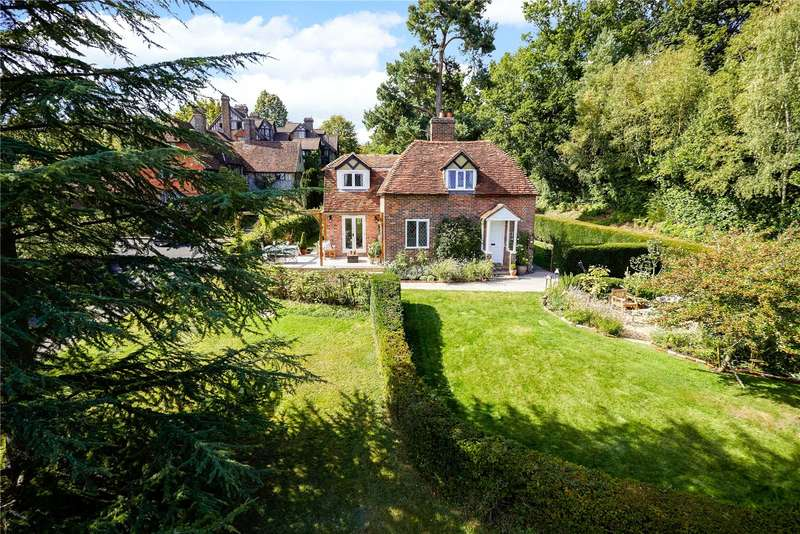 3 Bedrooms Detached House for sale in Hoath House, Chiddingstone Hoath, Kent, TN8
