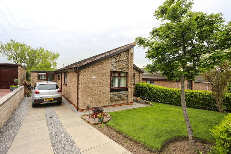3 Bedrooms Detached Bungalow for sale in Thaxted Drive, Stockport, Cheshire, SK2