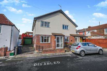 2 Bedrooms Semi Detached House for sale in Southsea, Hampshire