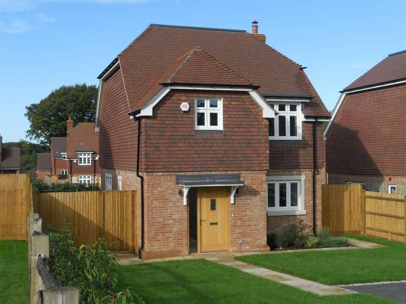 3 Bedrooms Detached House for sale in Eden Hall, Cowden, Kent, TN8