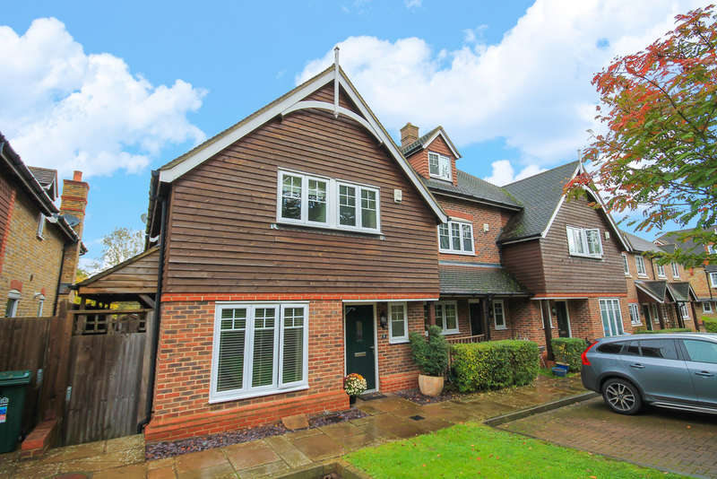 3 Bedrooms End Of Terrace House for sale in Crown Wood, Forest Row