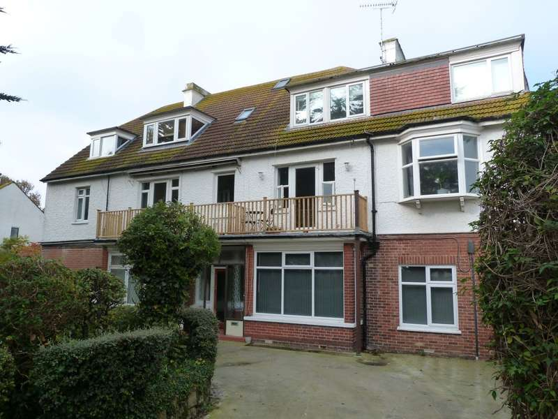 2 Bedrooms Flat for sale in Kingsgate Avenue, Broadstairs, CT10