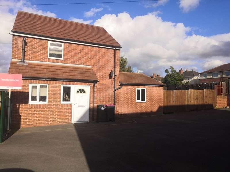 3 Bedrooms Detached House for sale in Pingles Crescent, Rotherham, South Yorkshire, S65