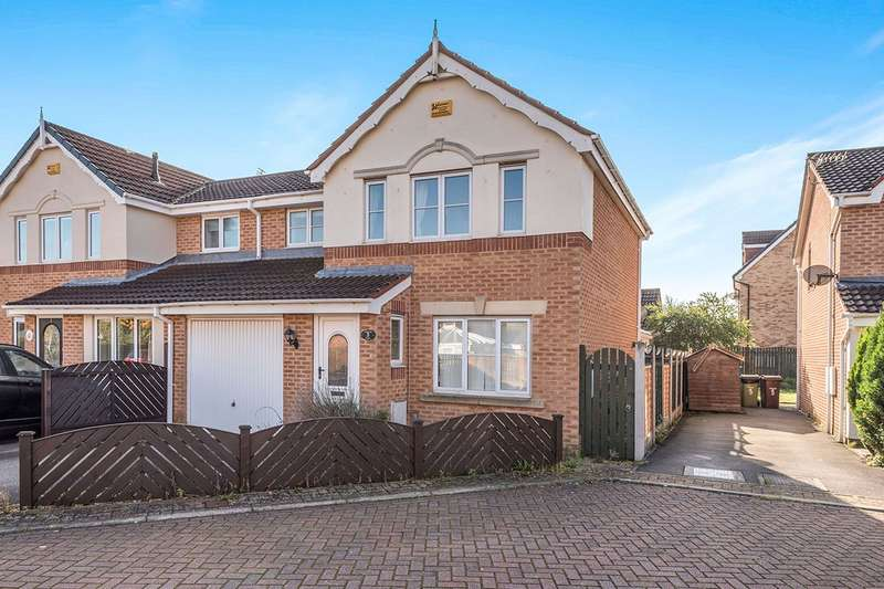 3 Bedrooms Semi Detached House for sale in Oakland Hills, Normanton, West Yorkshire, WF6
