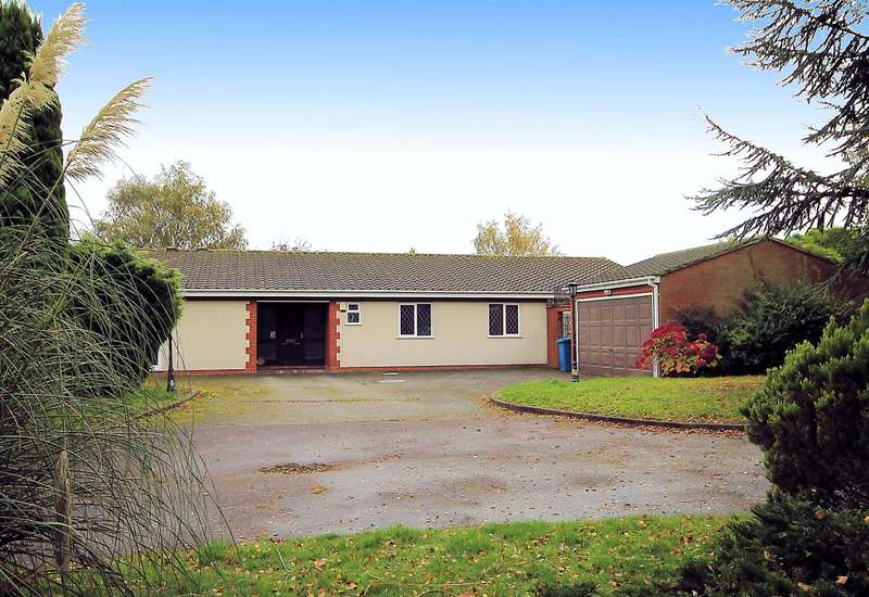 4 Bedrooms Detached Bungalow for sale in BeechCroft, Glascote Lane, Tamworth, B77 2PH