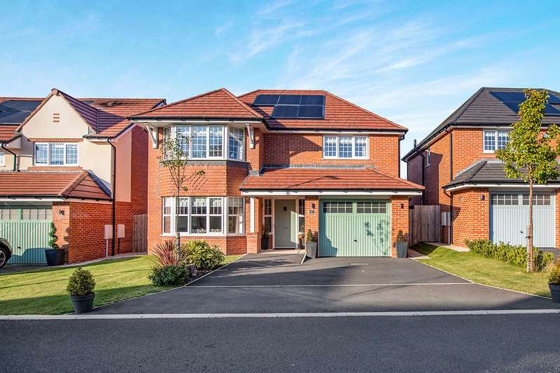 4 Bedrooms Detached House for sale in Hampton Grove, Leyland, PR25