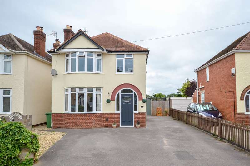 4 Bedrooms Detached House for sale in Box Road Avenue, Cam, Dursley, GL11 5DN
