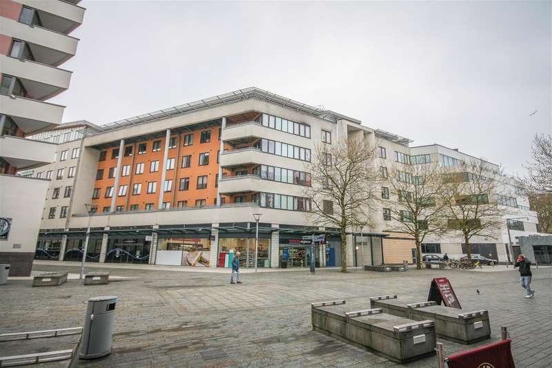 1 Bedroom Flat for sale in Anchor Point, Cathedral Walk, Bristol, BS1 5JW
