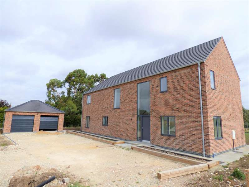4 Bedrooms Detached House for sale in The Stocks, Church Lane, Alvingham, LN11 0QD