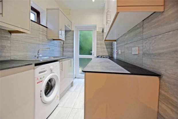 3 Bedrooms Semi Detached House for rent in Maybank Avenue, Wembley, Greater London