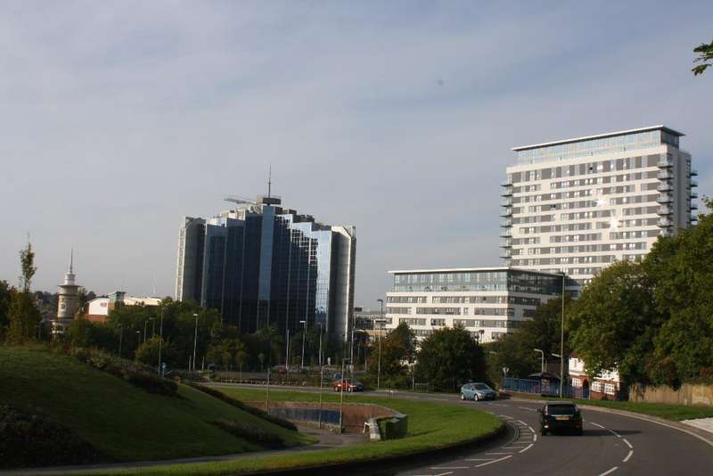2 Bedrooms Apartment Flat for sale in Skyline Plaza, Basingstoke, Hampshire, RG21 7AX