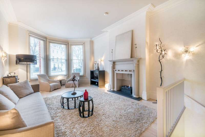 3 Bedrooms Maisonette Flat for sale in Egerton Gardens, Knightsbridge, SW3