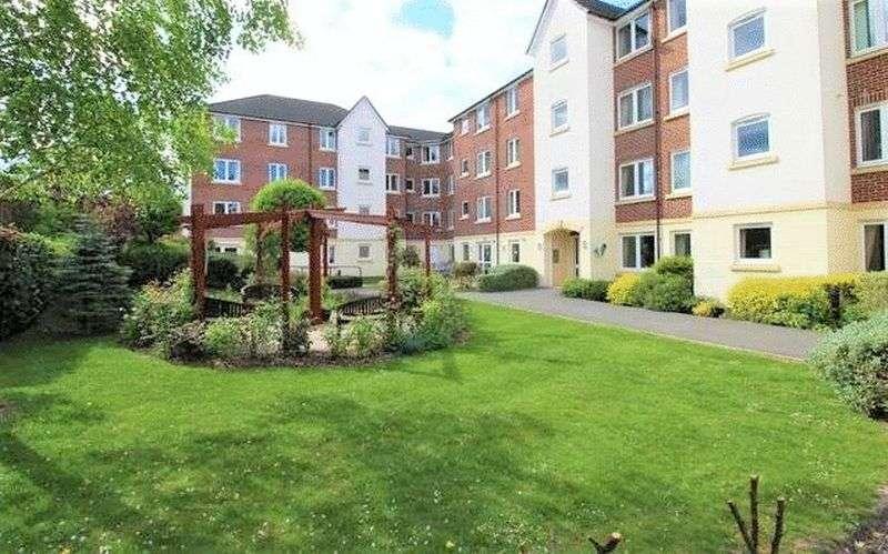 1 Bedroom Property for sale in Kingsley Court, Aldershot:** LIGHT & SPACIOUS- MUST BE VIEWED**