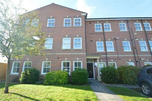 2 Bedrooms Flat for sale in Hatters Court, Higher Hillgate, Cheshire