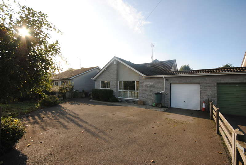 3 Bedrooms Detached Bungalow for sale in Wideatts Road, Cheddar