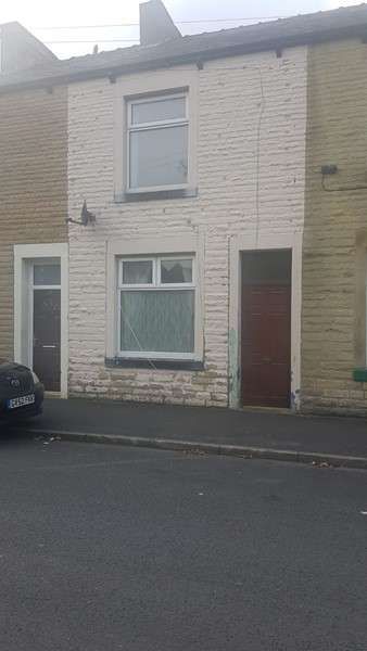 2 Bedrooms Property for sale in Walter Street, Brierfield, Nelson, Lancashire, BB9 5AW