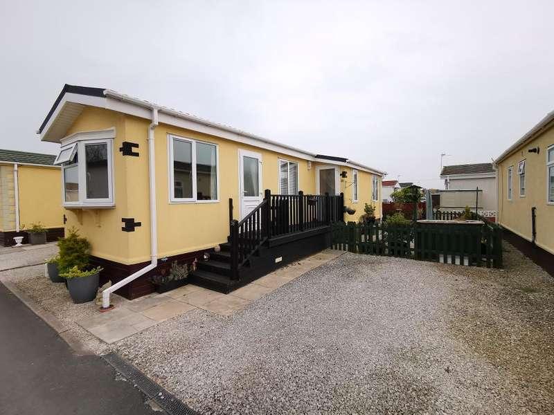 2 Bedrooms Park Home Mobile Home for sale in Lilac Drive, Hambleton Country Park, Poulton-Le-Fylde, Lancashire, FY6 9EQ