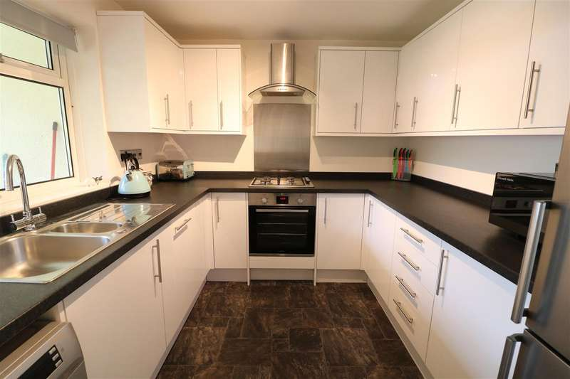 2 Bedrooms Maisonette Flat for sale in Bath Road, Reading