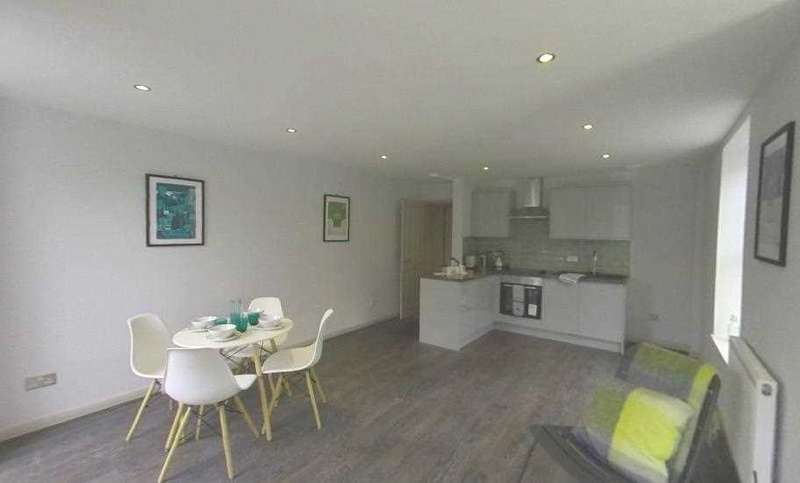 2 Bedrooms Apartment Flat for sale in Endcliffe House, Lewis Crescent, Margate